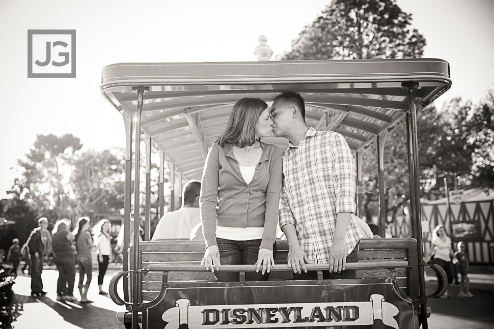 Disneyland-Engagement-Photography-0015
