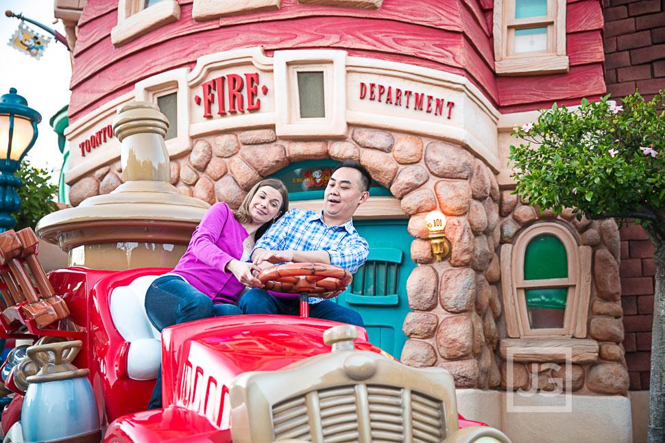 Disneyland-Engagement-Photography-0023
